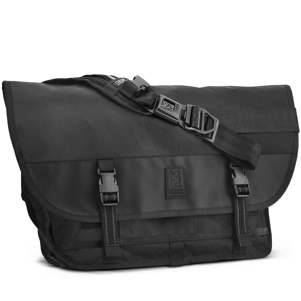 Chrome Industries Citizen Messenger Bag in Black/Chrome