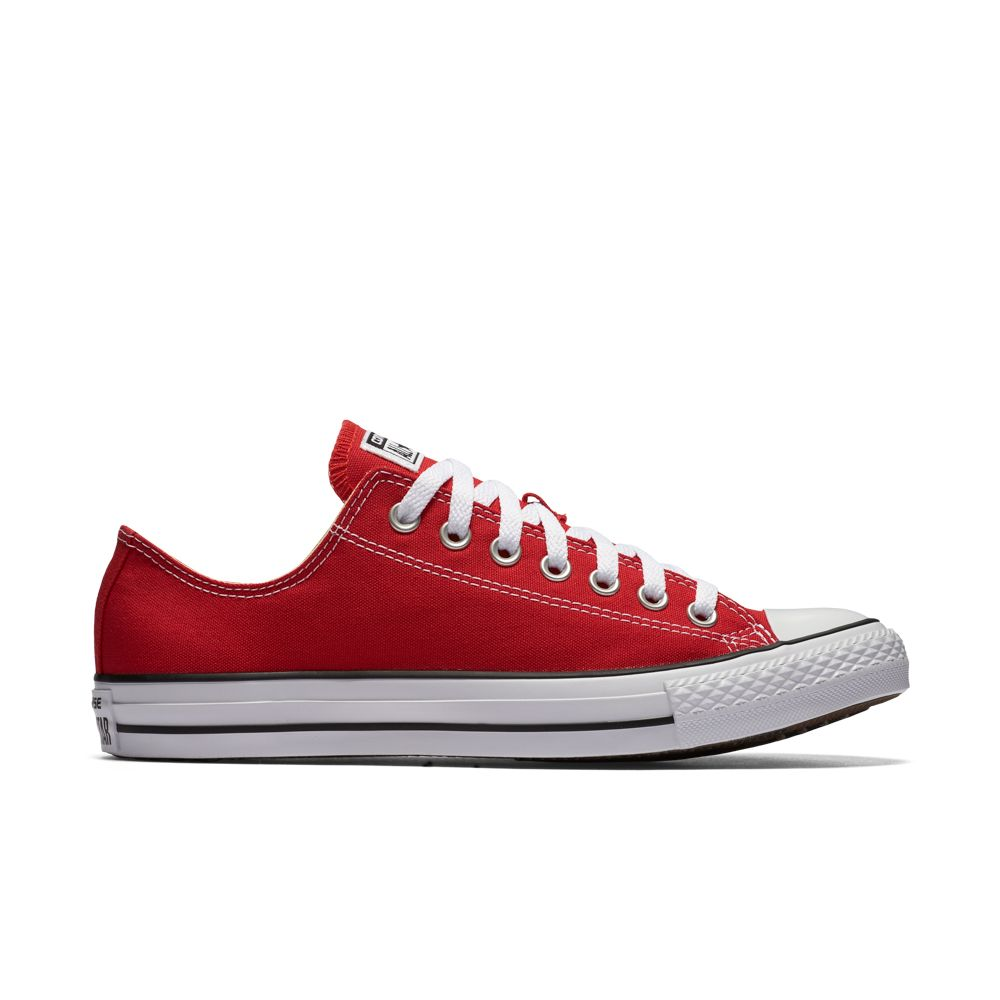 Chuck Taylor All Star Low Top in Red