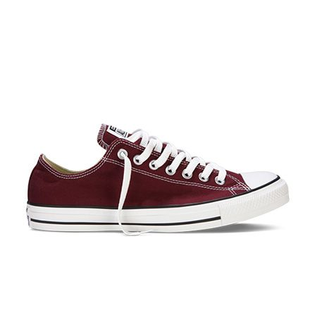 Chuck Taylor All Star Low Top in Maroon