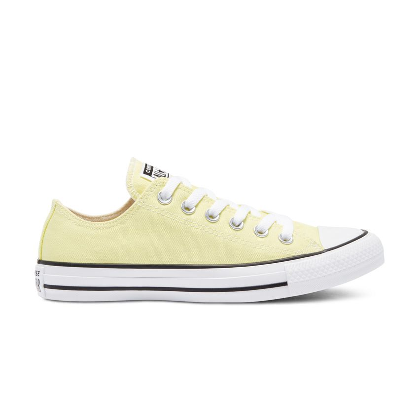 Converse Colour Chuck Taylor All Star Low Top in Light Zitron