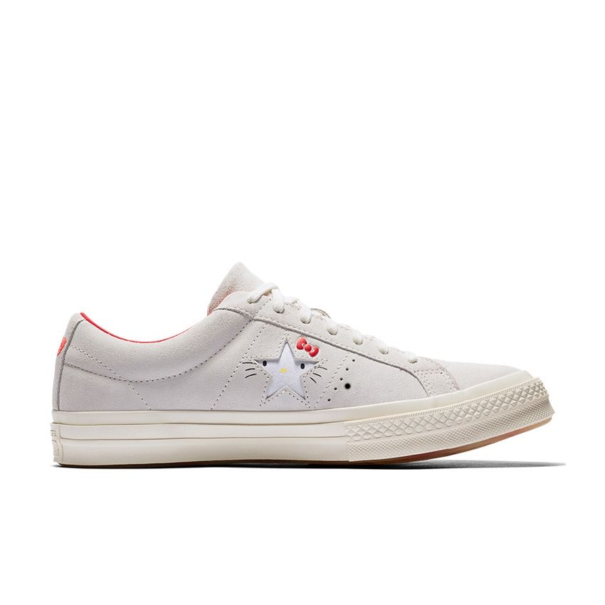 Converse x Hello Kitty One Star Low Top in Grey/Egret/Fiery Red