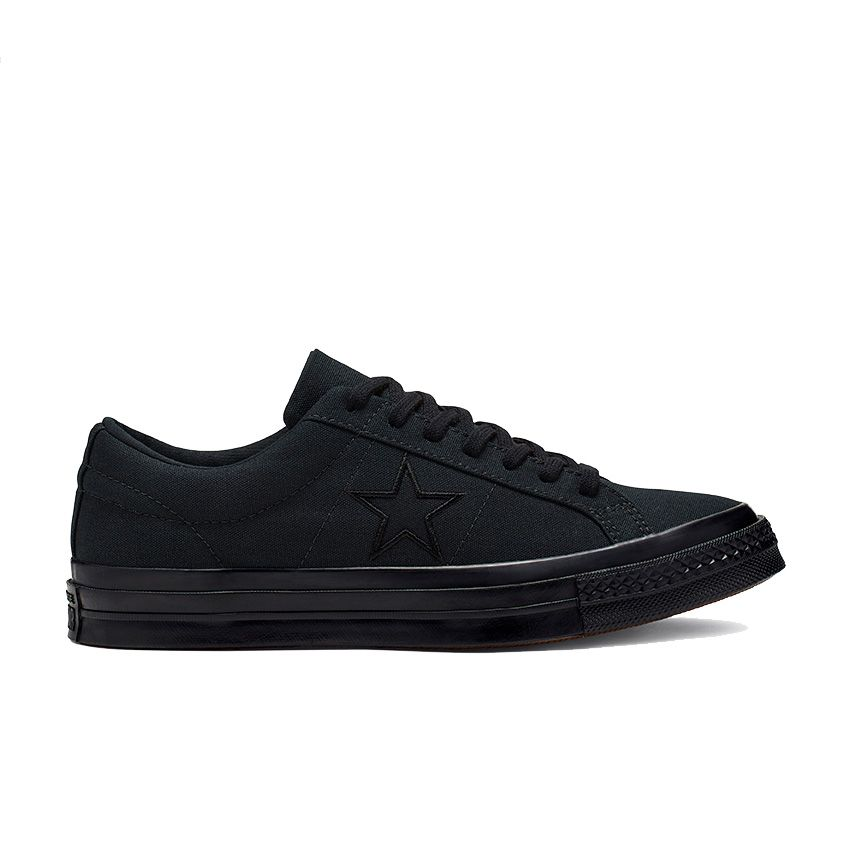 Converse One Star Ox Low Top in Black/Black/Black