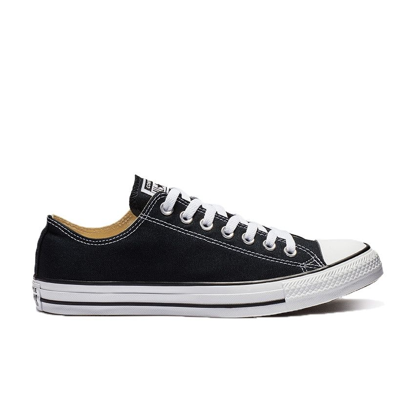 Chuck Taylor All Star Low Top in Black